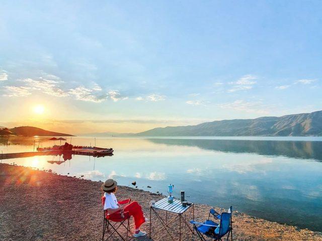 Hazar Gölü Kamp Yerleri