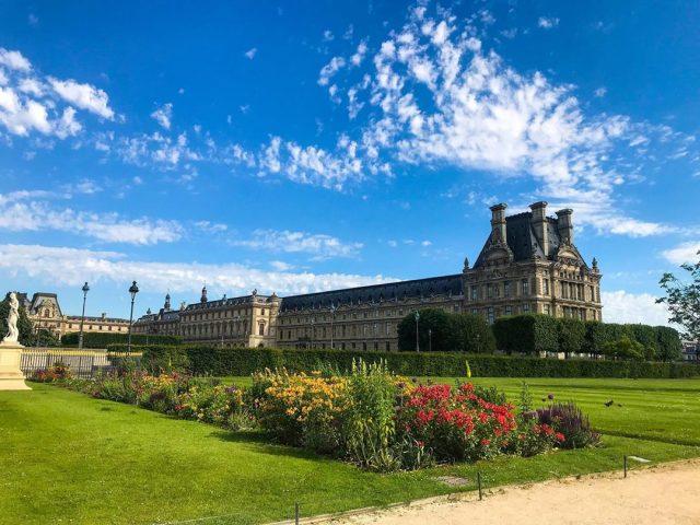 Paris denilince